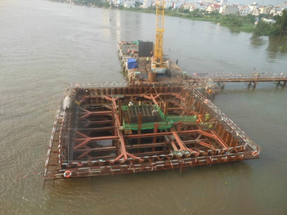 Sai Gon Bridge work.jpg